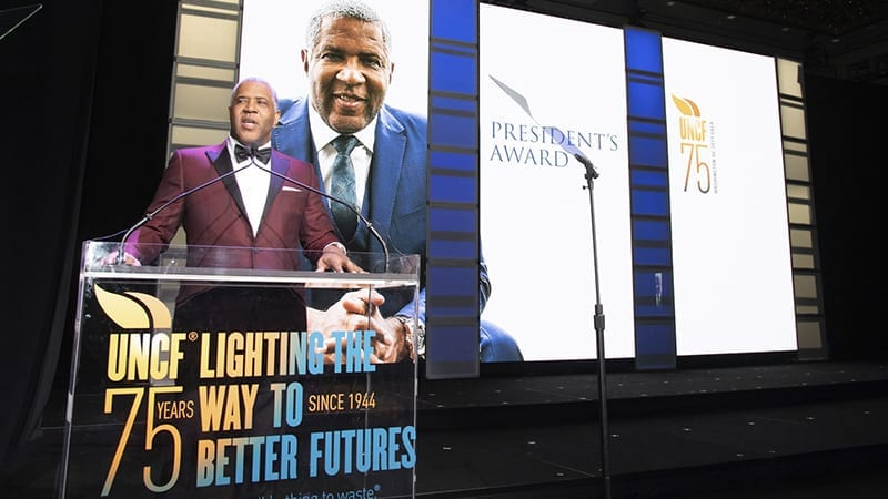 Robert Smith speaks at UNCF 75th anniversary gala