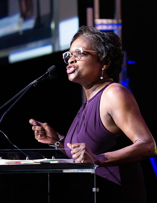 Mignon Clyburn, daughter of Cng. Clyburn, accepts award. (Earl Gibson III via AP)