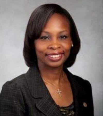 Dr. Ivy Taylor headshot