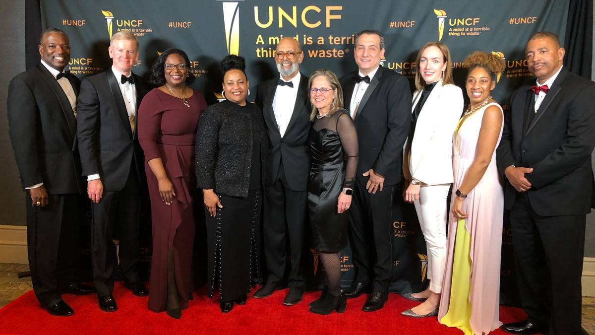 """Group Photo at the 76th National UNCF """"A Mind Is…"""" Gala"""