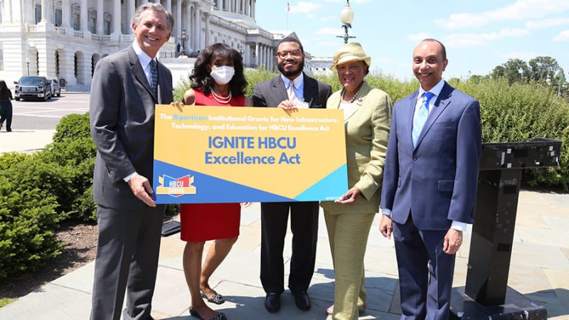 members of congress and UNCF VP with IGNITE banner