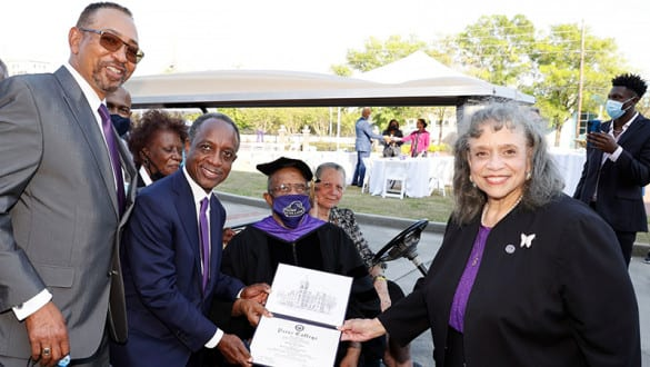 Golf legend Lee Elder recieves an honorary degree from Paine College