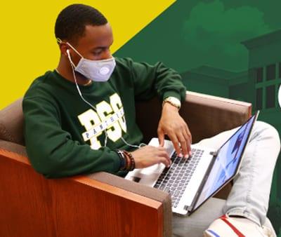 philander smith student on computer