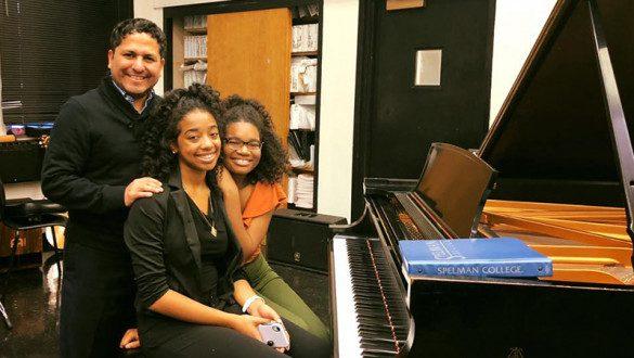 Spelman music students in piano studio